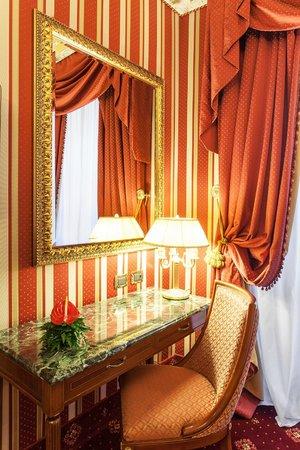 Hotel Manfredi Suite in Rome: camera da letto