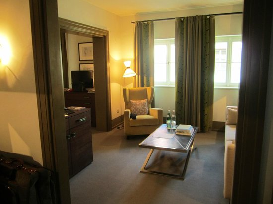 Augustine, a Luxury Collection Hotel, Prague: Living room