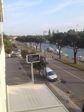 Hotel Acquadolce : Usikt fra verndaen, rom i 3etg.