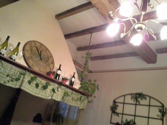 Sala con camino foto di cim la taverna del castoro for Sala con camino
