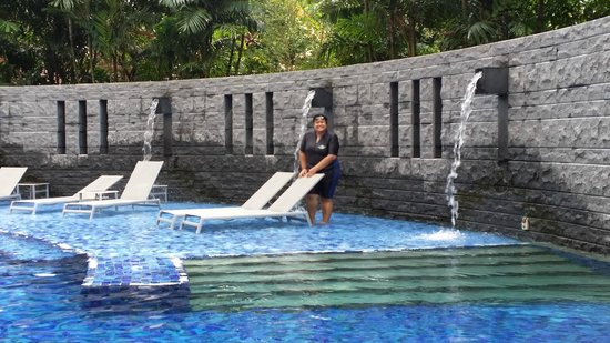 Resorts World Sentosa - Equarius Hotel: This is the 1st floor swimming pool. As you can see there is only me and my hubby :)