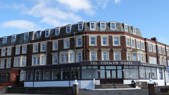 FRONT ASPECT OF THE COLWYN HOTEL, BLACKPOOL. UK.