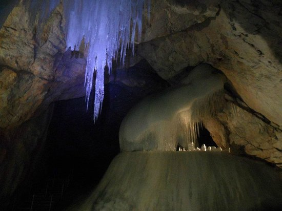 Eisriesenwelt Ice Cave: Ice figures in the upper cave level