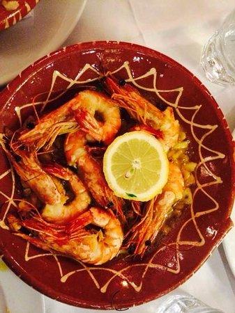 5 Sentidos - Casa do Largo: prawns in garlic sauce