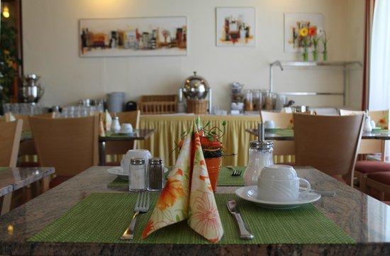 Flora Hotel Möhringen: Frühstücksraum