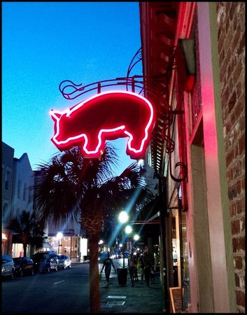 Nick's Bar-B-Q: look for the sign of the pig