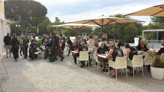 Domaine des Naiades: Un petit dej sur la terrasse? whatelse?
