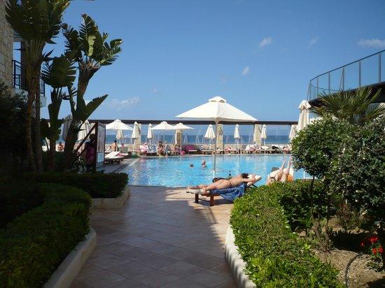 Atlantica Caldera Bay : View from room 107