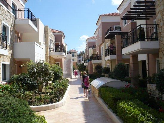 "Atlantica Caldera Bay : Hotel ""main road"""