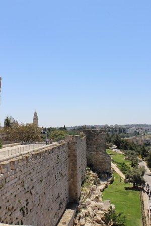 Tower of David Museum: Le mura della città