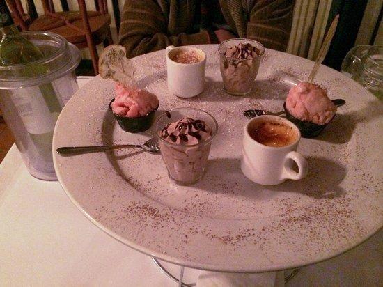 Blake's: Dessert platter