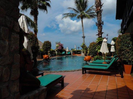 Boomerang Village Resort: Pool area