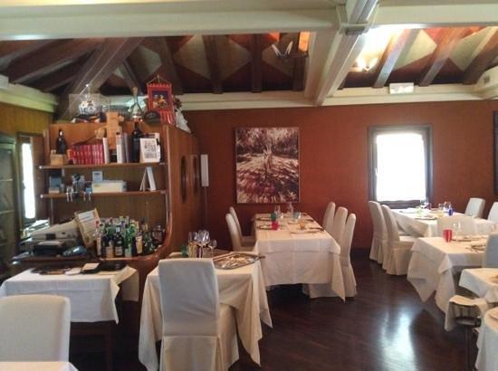 la sala da pranzo stile provenzale - Picture of Ristorante Marco ...