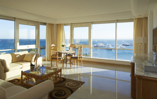 Hurghada Marriott Beach Resort : Neptune Suite sitting area and dining table with the best sea view in Hurghada