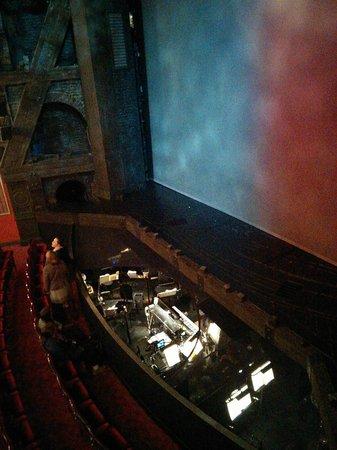 Les Miserables London: 楽団も見える