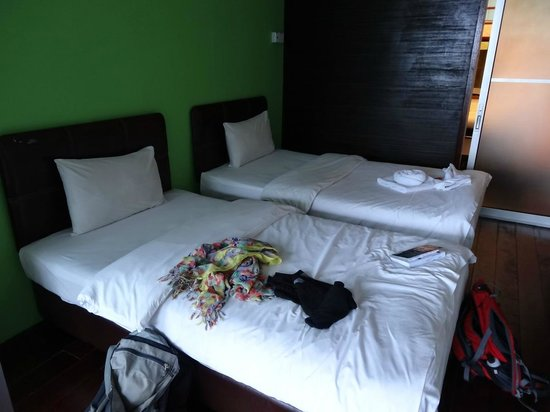 J Residence: inside our twin room