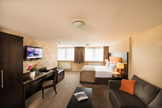 Edinburgh Capital Hotel: Family Room