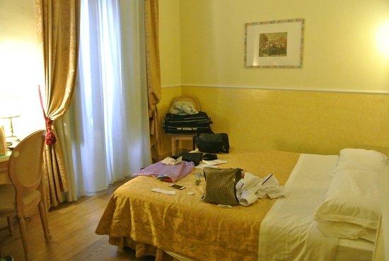 Hotel Doria : Camera matrimoniale