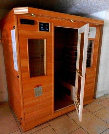 Snowed Inn Chalets : Chalet Jean ¦ Infra Red Sauna