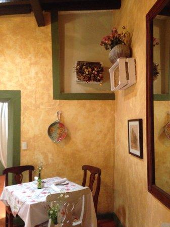 Vivoli Cafe and Trattoria: Lindo detalle de arreglos de rosas secas