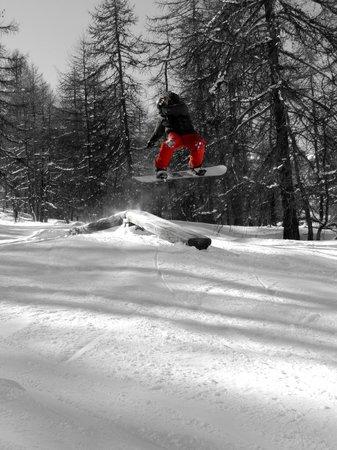 Snowed Inn Chalets : The mountain ¦ Melezone