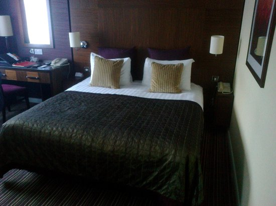 "Crowne Plaza London-Gatwick Airport : The room with the ""soft"" bed !"