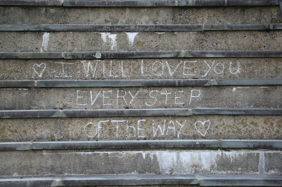 Boar's Head Resort: Sentiments on the steps
