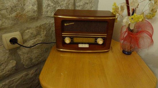 Hotel Tragos : Radio