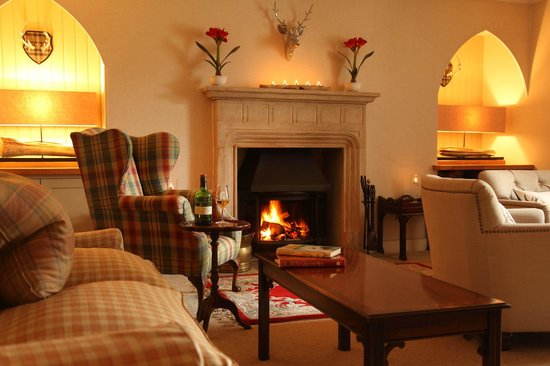 Kilcamb Lodge Hotel & Restaurant : Cosy Lounge Bar