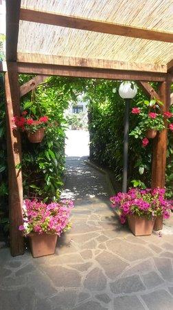 La Tavernetta di Lumi: Giardino Estivo 2014