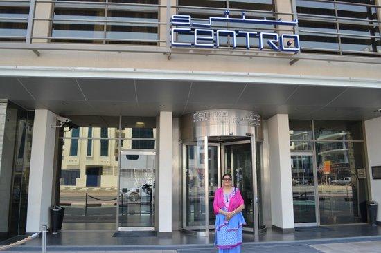 Centro Barsha : Front  view