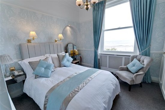 St. Tudno Hotel: A sea front facing double room