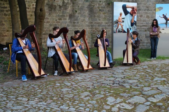 Quality Hotel La Marebaudiere Vannes : Breton music concert in the walled city of Vannes