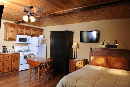 Sky Harbor Resort: 1 Room Suite
