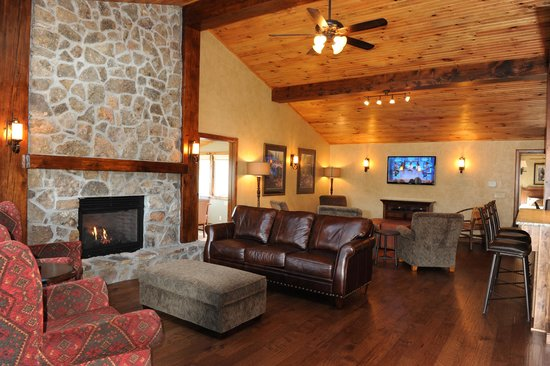 Sky Harbor Resort: Lodge
