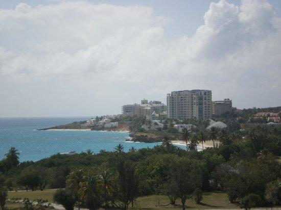 Sonesta Maho Beach Resort, Casino & Spa : Vista do quarto de fundos
