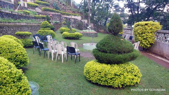 Abad Copper Castle Hill Valley Resort : Garden