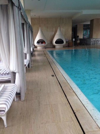 Oriental Residence Bangkok: Piscina