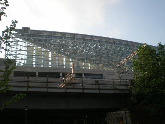 Tokyo International Forum: visão externa