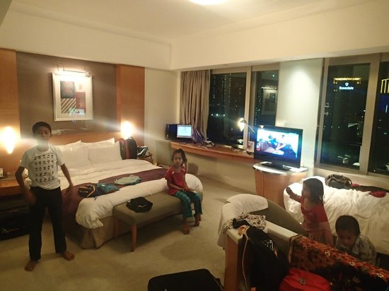 Metropark Hotel Causeway Bay Hong Kong: Family room