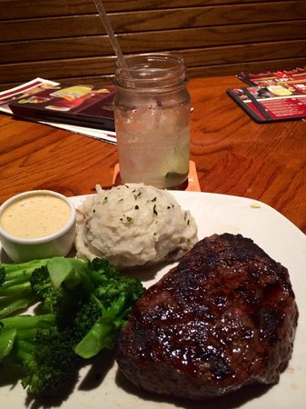 Outback Steakhouse: My dinner - yammy!