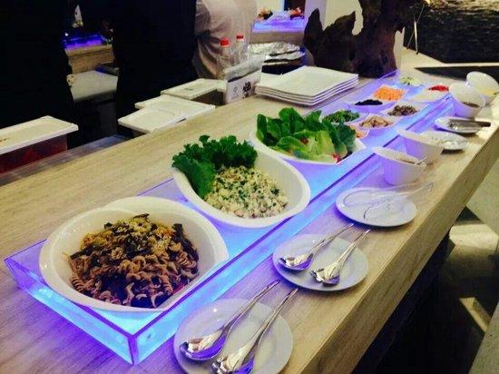 Princesa Garden Island Resort & Spa: Salad station
