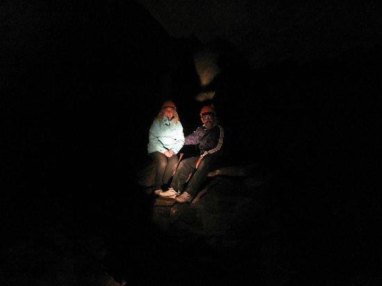 Cavernas del Viejo Volcan Parque Cerro Leones: Dentro de la última caverna