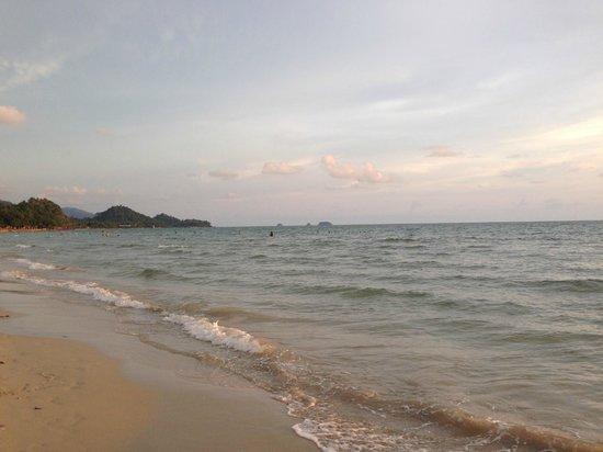 Mac Resort Hotel: beach