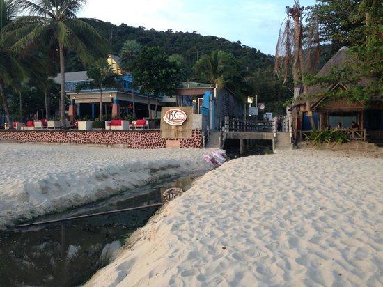 Mac Resort Hotel: Sewage water close to the hotel
