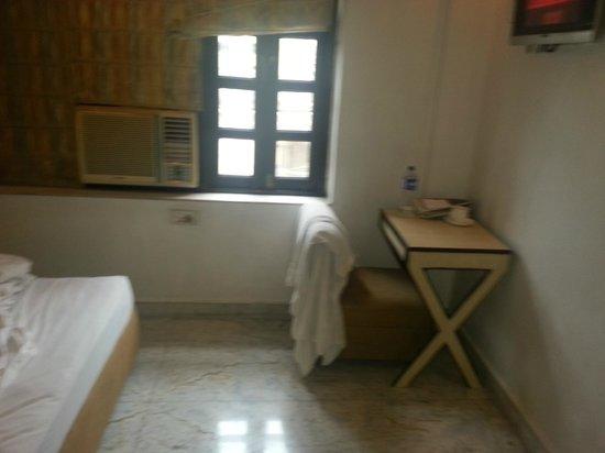 Dee Empresa Hotel: Room Interior