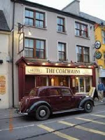 The Coachman's Bar & Restaurant: Front View