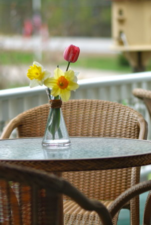 Bernerhof Inn Bed and Breakfast : Enjoy breakfast or drinks on our wrap around patios!