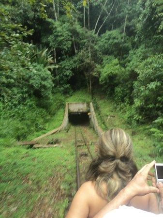 Minas da Passagem: Entrada da mina com o carrinho
