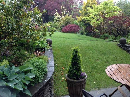 Annesdale House: garden view from the room
